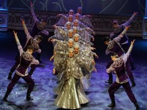 Kostroma dancing