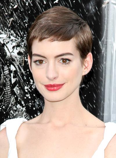 Anne Hathaway  Red