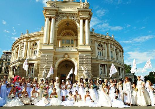 Bride parade 2
