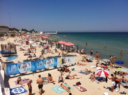 busy_beach_odessa_ukraine