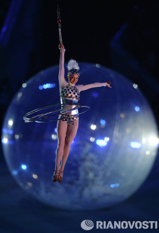sochi closing ceremony flying dancer