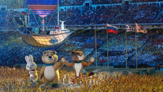 Sochi closing ship and mascots